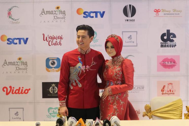 Perpaduan Adat Tiong Hua Dan Aceh Pada Pernikahan Roger Danuarta Dan Cut Meyriska