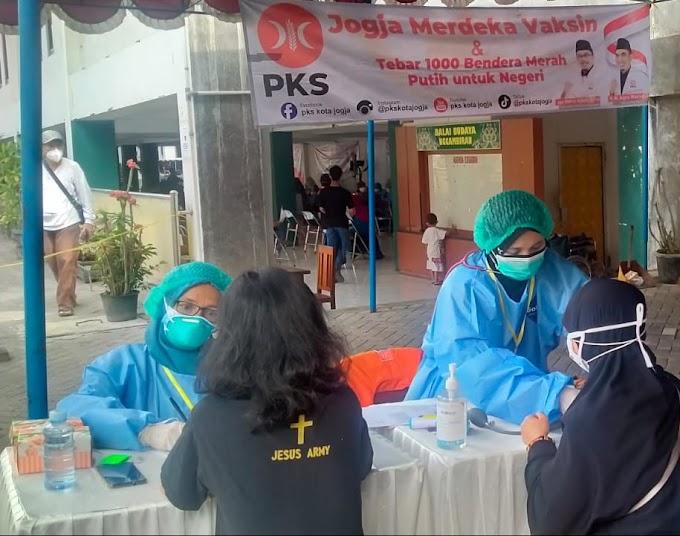 Pemandangan Menarik di Vaksinasi PKS Yogyakarta, Bukti Partai Ini Makin Bermanfaat Untuk Semua!
