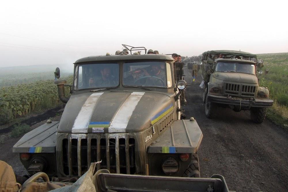 Вантажівки ЗСУ в АТО
