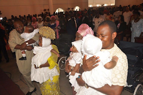 2aa - Bayelsa Governor, Seriake Dickson and wife, Rachael dedicate their quadruplets in Church (photos)
