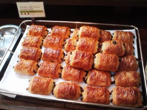 ビュッフェコーナー:チョコレートデニッシュ ホテルエミシア札幌カフェ・ドム