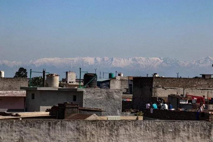 El Himalaya reaparece gracias al confinamiento de humanos; la contaminación ha bajado