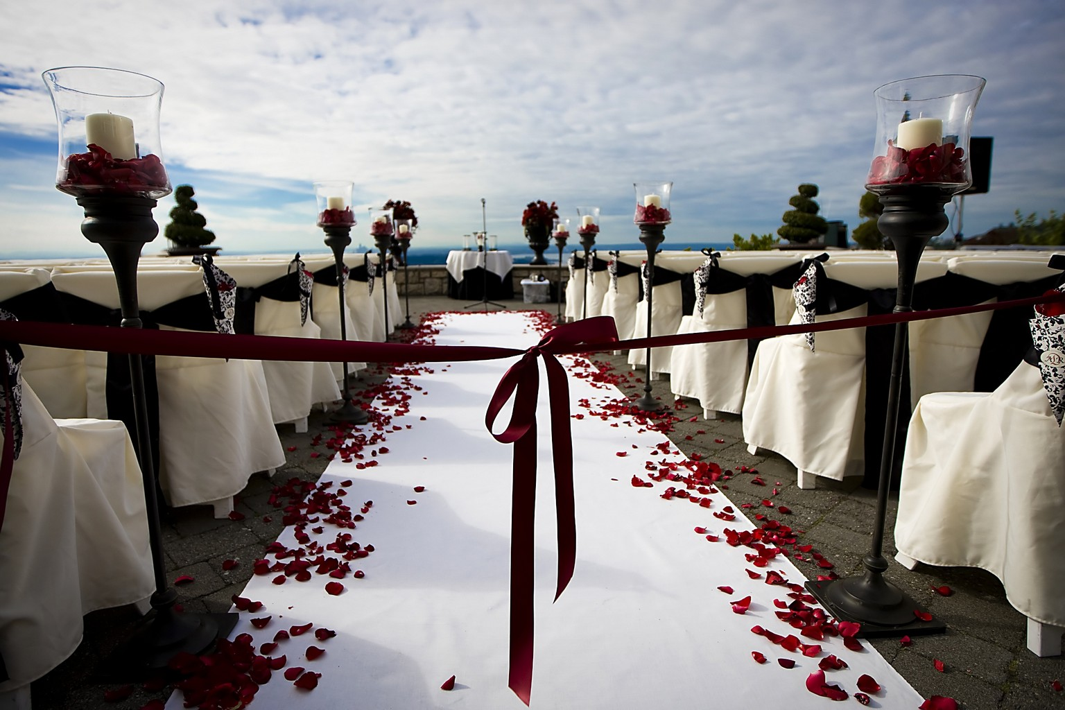 Why You Should Hire a Wedding Planner for Your Wedding Preparation 3