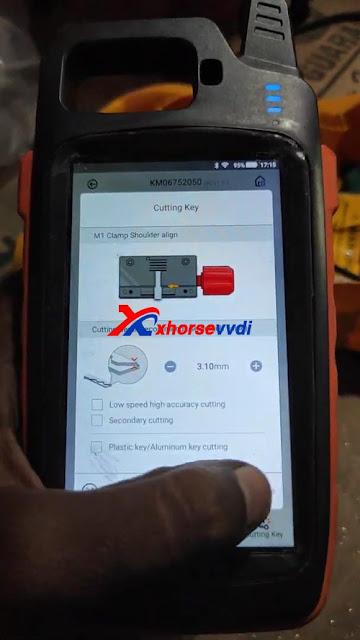 Suzuki Swift all key lost using Xhorse VVDI Key Tool Max + Dolphin XP005 07