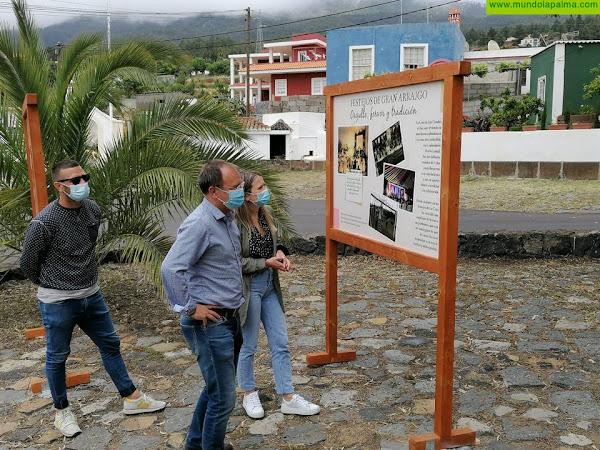 El Paso ensalza La Cruz de Las Canales con la exposición fotográfica 'Historia de nuestra fiesta'
