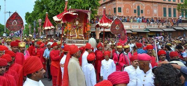 Jaipur, Teej procession, Traditional, Teej Savari jaipur, City Palace, Tripoliya Gate, Tripolia Bazar, Chhoti Chaupar, Gangauri Bazaar, Pondrik Park