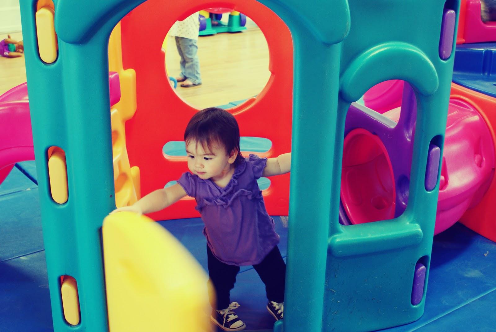 Nacktes Kleinkind spielen tpme — foto 12