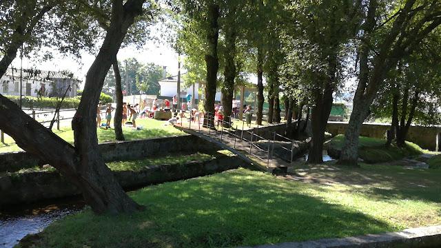 Crianças Praia Fluvial Airão Santa maria