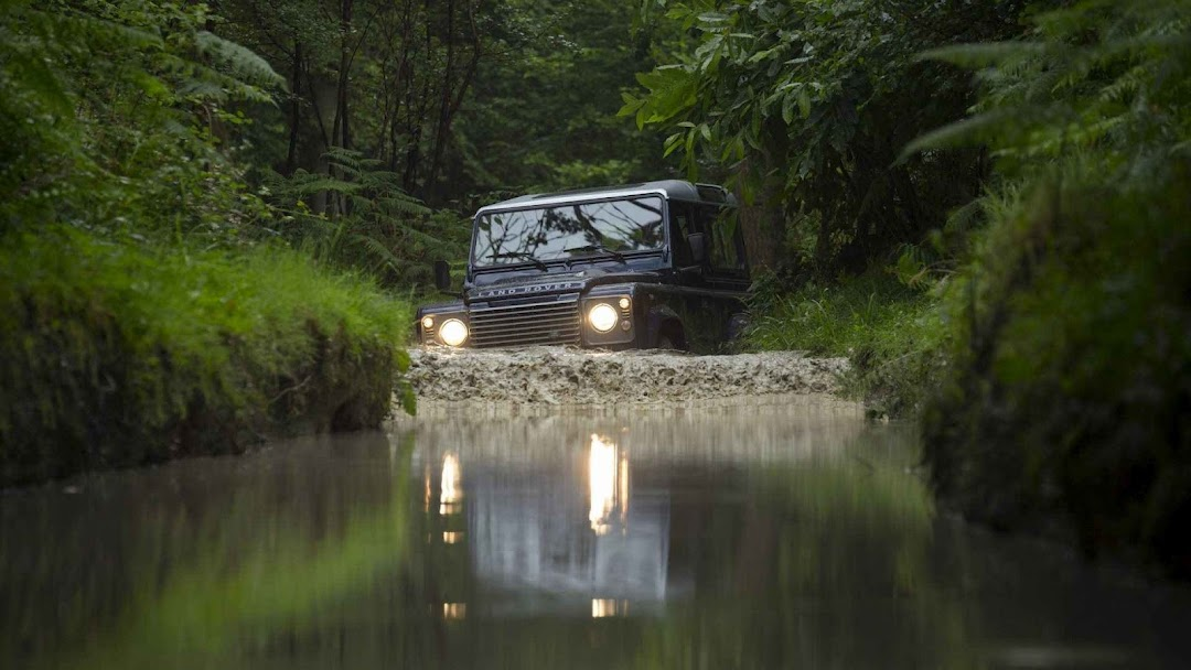 Off Road Pic >> Land Rover Defender Off Road Wallpapers