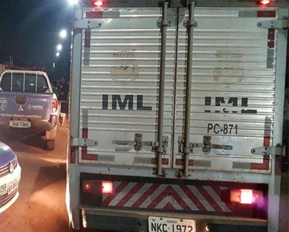 ESPANCADO: Homem com mãos e pés amarrados é encontrado morto jogado na beira da rua