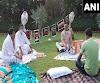 रातभर धरना देने वाले राज्यसभा सांसदों के लिए चाय लेकर पहुंचे हरिवंश, प्रधानमंत्री मोदी ने की तारीफ