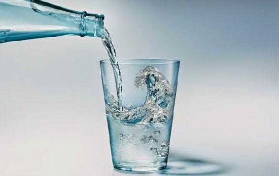 http://kesehatanpadaanda.blogspot.com/2015/01/7-tanda-anda-perlu-minum-air-putih-yang.html