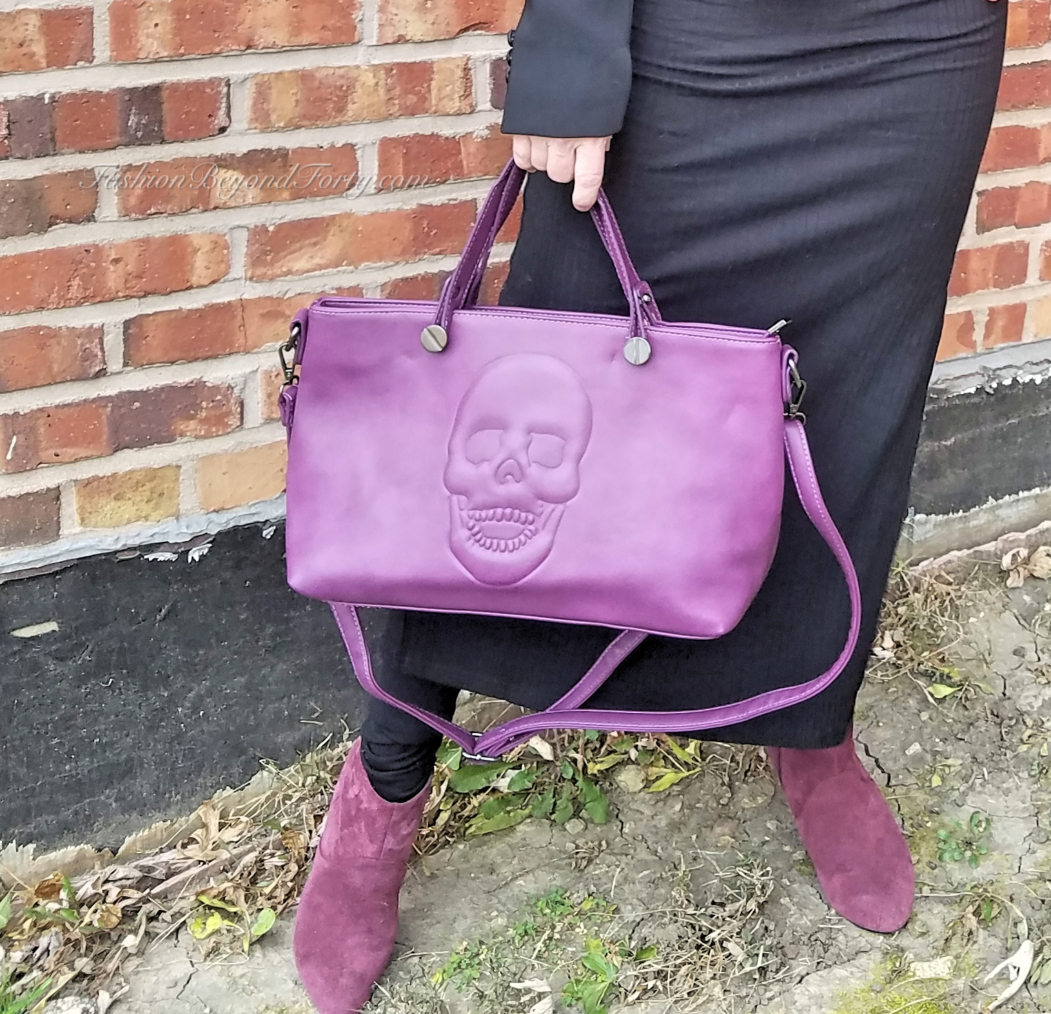 Fashion Focus: An Edgy Holiday Look With Mechaly Vegan Bags Plus 35% Off