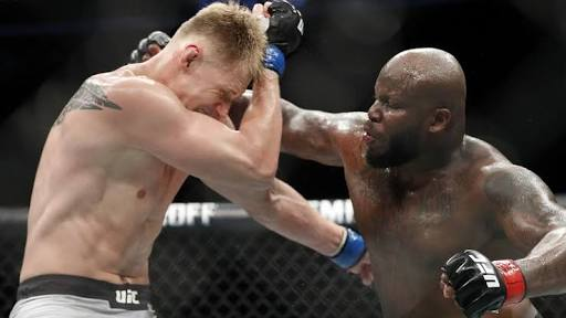 The UFC has booked a heavyweight title fight between champion Daniel Cormierand Derrick Lewis to headline its UFC 230 pay-per-view event on Nov. 3 in New York.