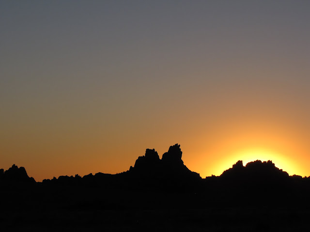 Sunset over the rock formations of Ikh Gazriin Chuluu in Dundgobi Aimag