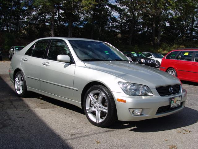 Daily Turismo: 15k: 2003 Lexus IS300; Minty Clean