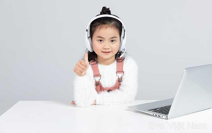 Triết học dạy kỹ năng sống cho trẻ tốt hơn Google