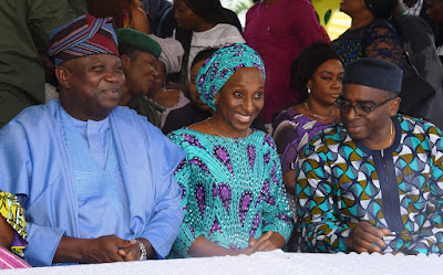 Ambode receives Awolowo family and unveils new 20-feet statue of PA Obafemi Awolowo in Ikeja..