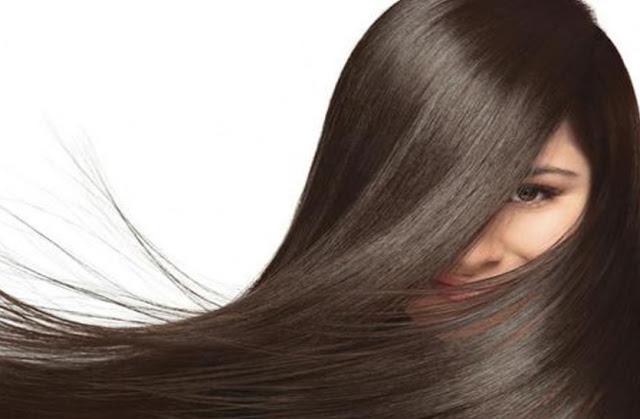 Soluzioni naturali per capelli lunghi e voluminosi