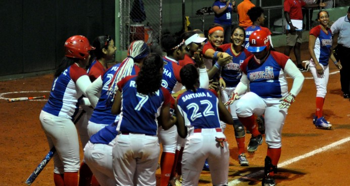 República Dominicana noquea a Perú en el Panamericano de Sóftbol Con  buena actuación de dos Brahoneras