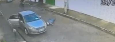 conductor le dispara a atracador
