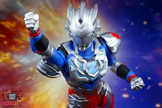 S.H. Figuarts Ultraman Z Alpha Edge 11