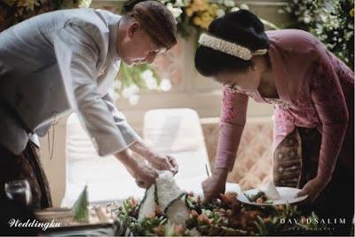Bukan Cuma Injak Telur, Ini Prosesi Pernikahan Adat Jawa Lengkap