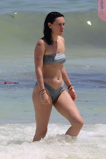 Rumer-Willis-In-Bikini-Seen-at-a-beach-in-Mexico--23+%7E+SexyCelebs.in+Exclusive.jpg