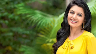 Bhagyashree comback on silver screen with prabhas