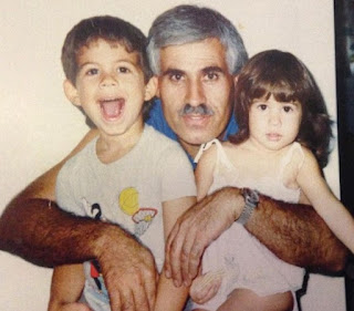 Sheena Parveen's childhood picture with his brother and dad