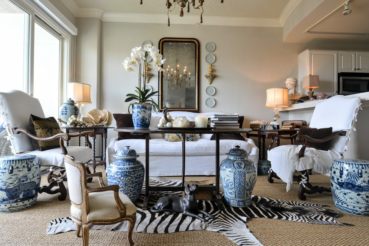 Color Outside the Lines: Apartment Decorating