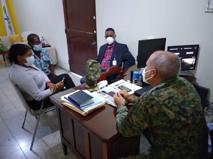BARAHONA: DIRECTOR REGIONAL DE DEPORTES VISITA ESCUELA VOCACIONAL F.F.A.A.