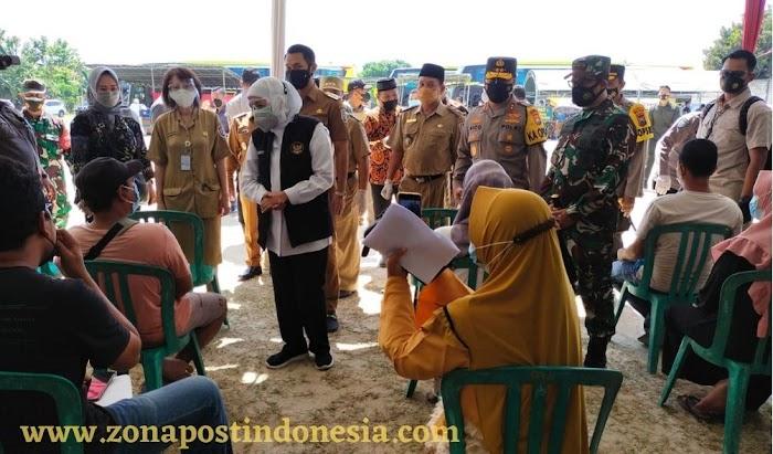 Forkopimda Jatim Mengecek Pelaksanaan Vaksinasi di Tuban