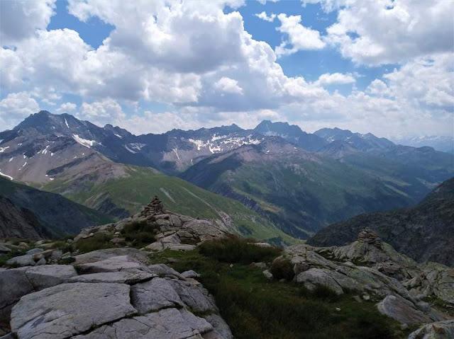 panorama Val Ferret sentiero verso bivacco Fiorio