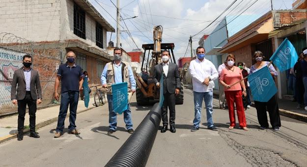 Inician obras de sustitución de drenaje y red de agua en Barrio de Xixitla