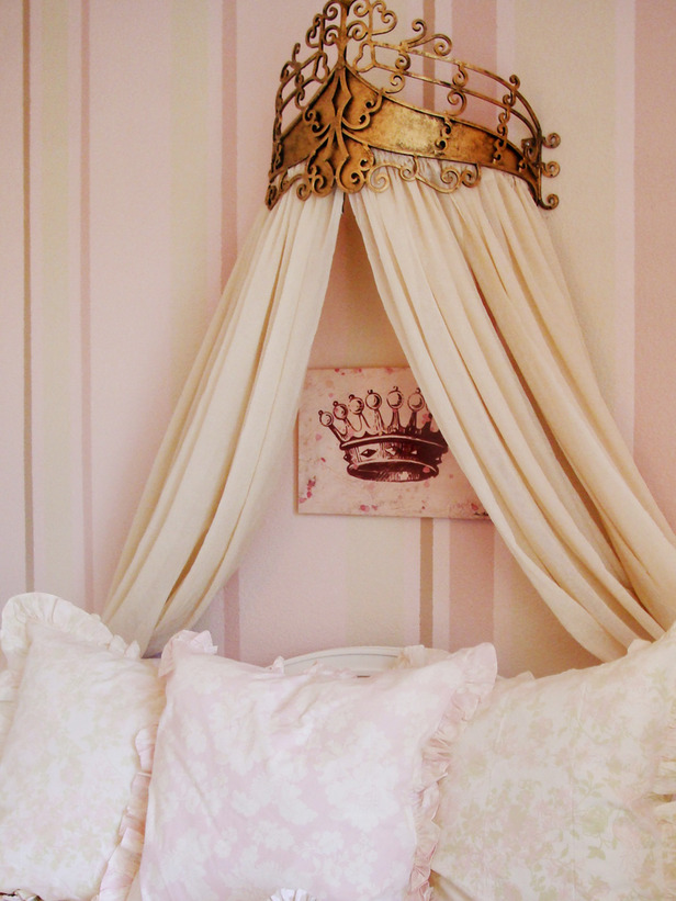 My Shabby Chateau Bed Crowns