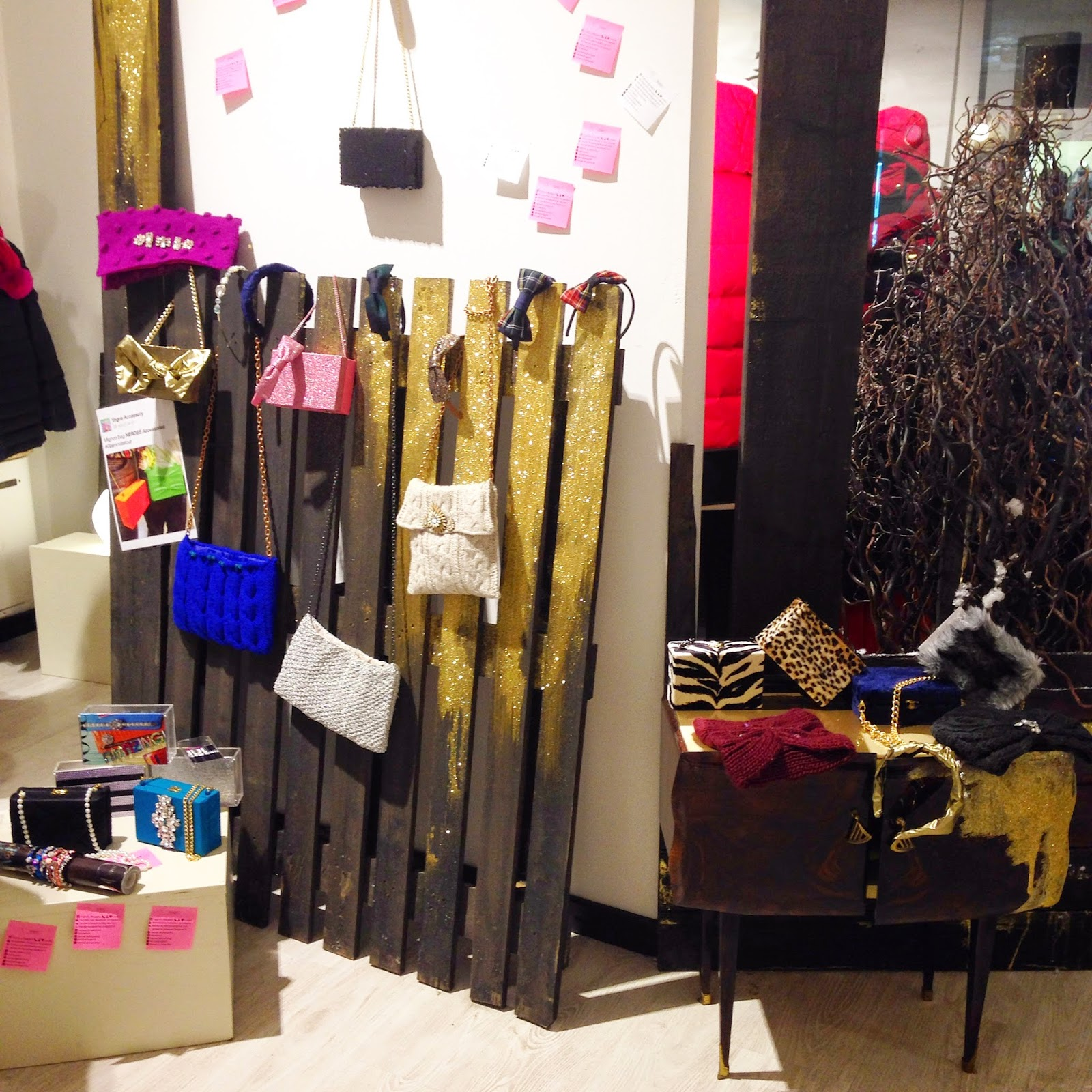 http://nerose-accessories.blogspot.it/2014/12/nerose-in-tour-treviglio.html