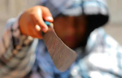 Con machete asaltan a niño; le quitan celular y dos anillos