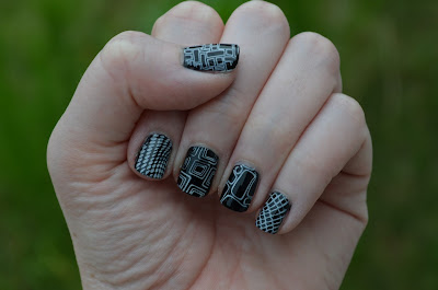 B&W Nail Art Challenge Day 2: Stamping