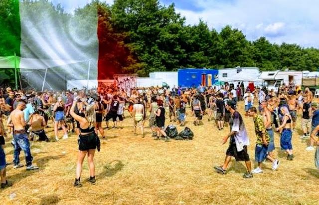 Fiesta rave en la que participan miles de jóvenes europeos mantiene en alerta a las autoridades en Italia
