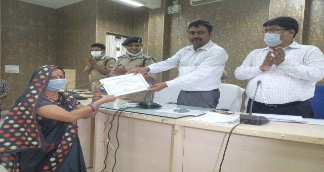 Election Polling Was Held Peacefully In 8 Blocks In Kaushambi Uttar Pradesh News Vision