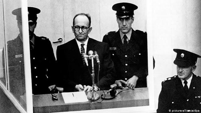 Adolf Eichmann durante julgamento