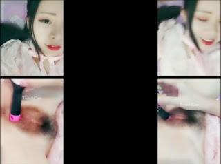 Clip: Mình đẹp thì mình show thôi mà =))