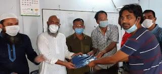 মোংলায় সাংবাদিকদের পিপিই প্রদান করলেন আলহাজ্ব শেখ কামরুজ্জামান জসিম