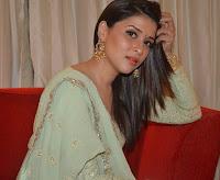 Mannara Chopra (Indian Actress) Biography, Wiki, Age, Height, Family, Career, Awards, and Many More