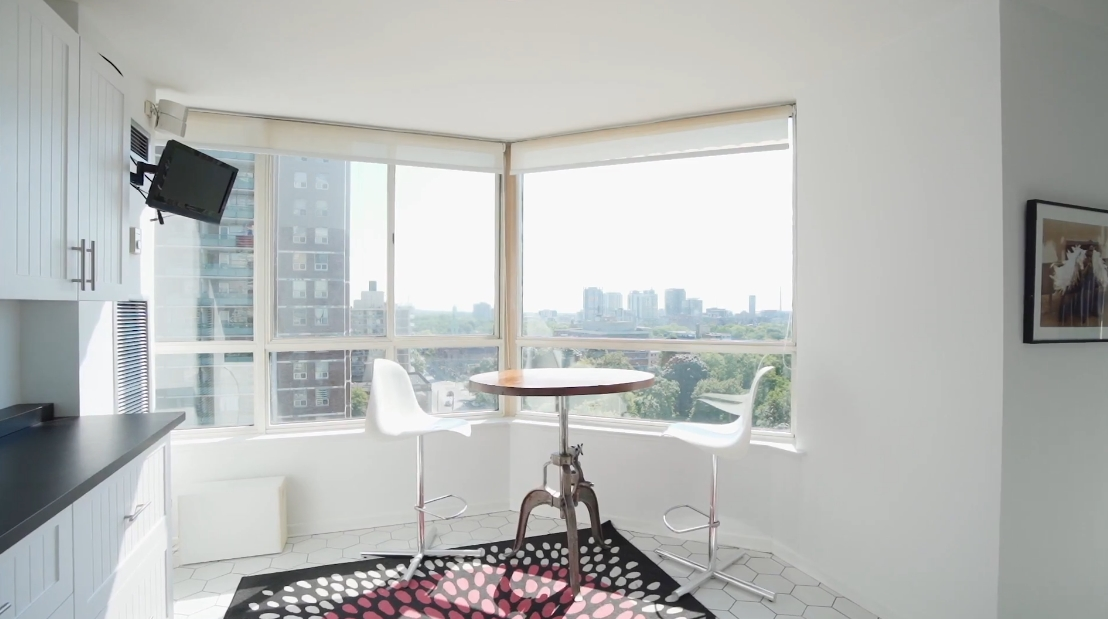 21 Interior Design Photos vs. 130 Carlton St #1104, Toronto Luxury Condo Tour