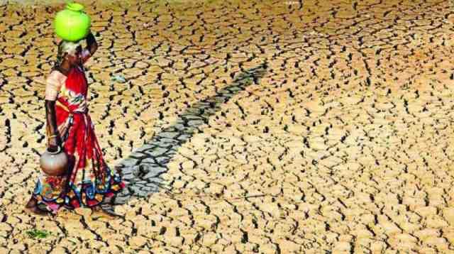 जल ही जीवन है ~ जल संकट का भावी भारत | Water Scarcity Issue In India - Essay In Hindi