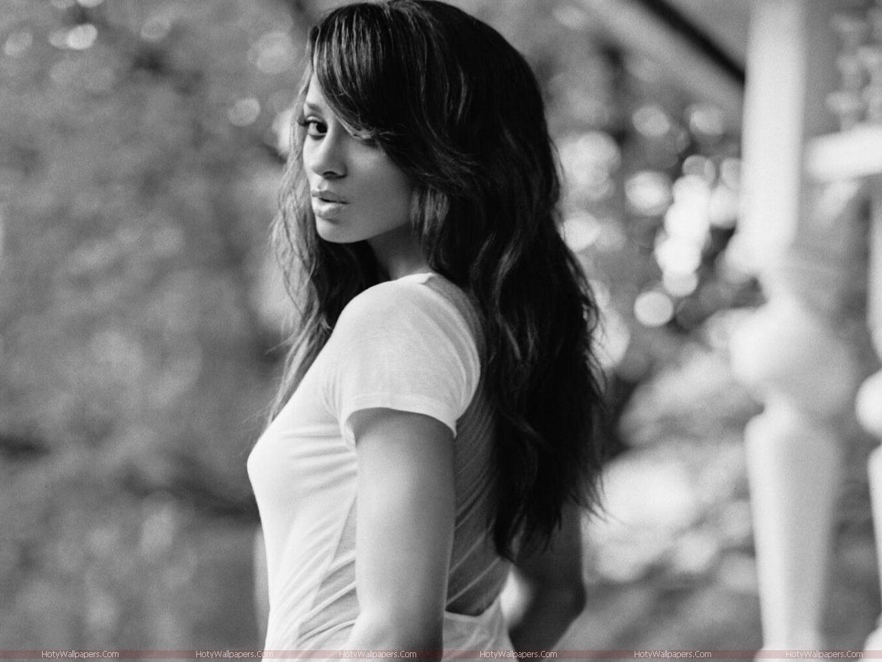 Ciara hollywood singer wallpapers fun hungama - Ciara wallpaper ...