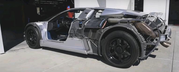 Thật khó để bạn nhận ra đây là chiếc Bugatti EB110