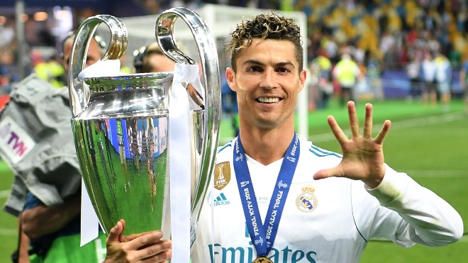 """Champions League nóng như lửa: 7 khoảnh khắc chứng minh Ronaldo là """"VUA"""" 2"""